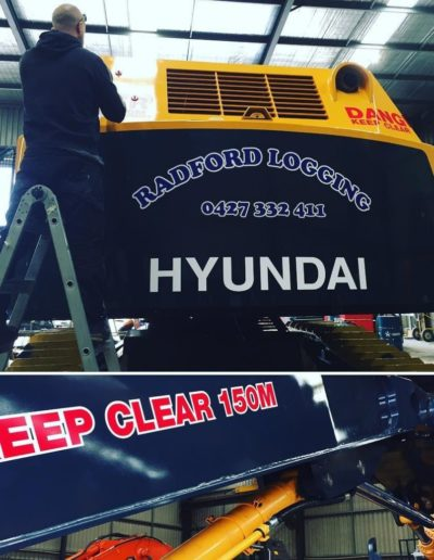 Hyundai-excavator-decals0Aweekendwork-DJMfabrication0Aexcavatordecals-workingsaturday-1024x1024